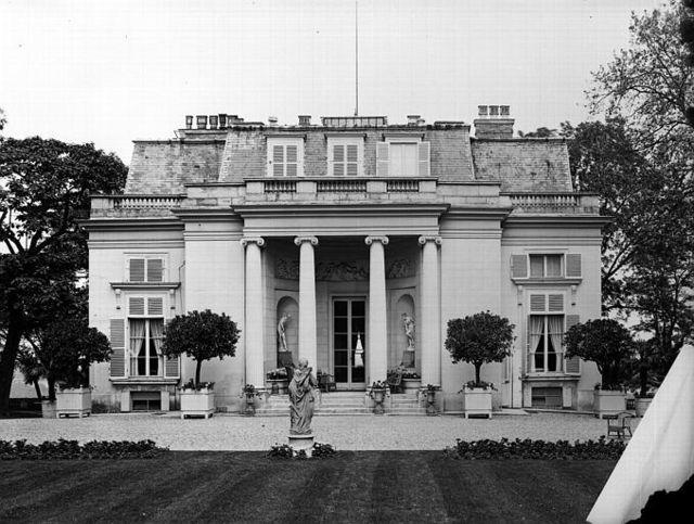Pavillon musique Mme DuBarry1931