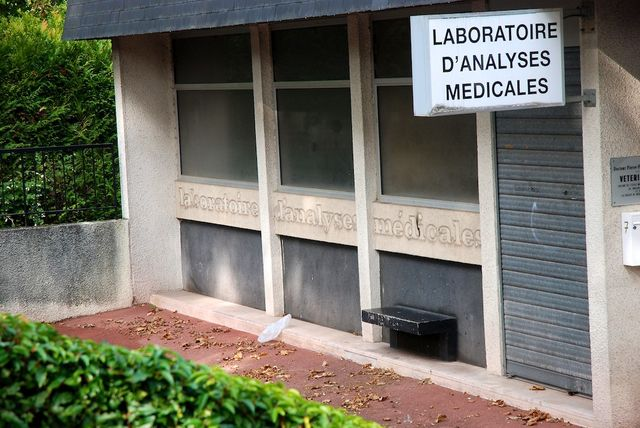 Ancien Labo analyses médicales