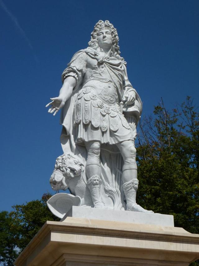 Statue_LouisXIV